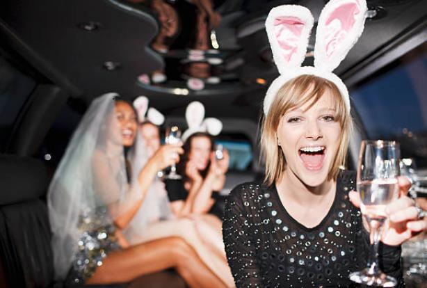 моминско парти с уникална лимузина