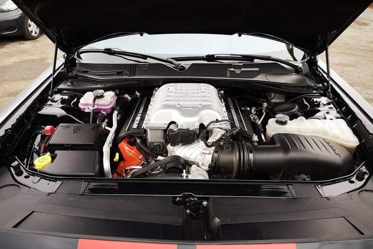 Dodge Challenger Hell cat wide image 7