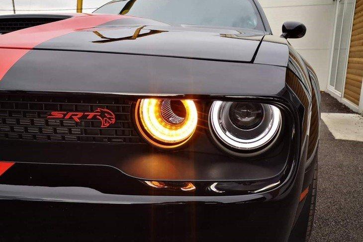 Dodge Challenger Hell cat wide image 8